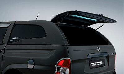 Cúpula negra para camioneta Actyon Sports