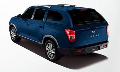 Camioneta Musso azul SsangYong